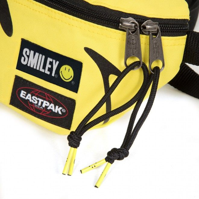 EASTPAK SPRINGER SMILEY BIG EK074A92